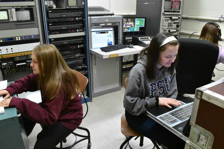 Students Prepare Morning Weather and Lunch Slides